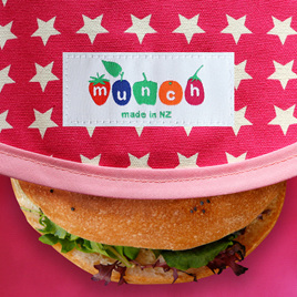 Munch Wrap white and pink star